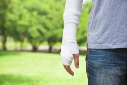 עובד זר פצוע ביד