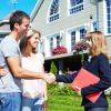 זוג שקנה דירה וחתם על פוליסת ביטוח דירה