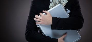 עובד שמעל בכספי החברה שבה הוא עובד