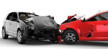 שני רכבים בתאונה