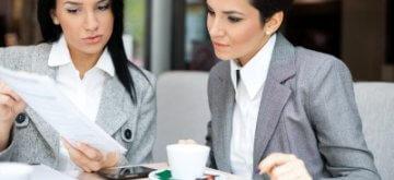 נשות עסקים בפגישה