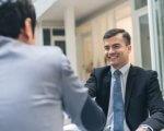 יבואן בפגישה עסקית