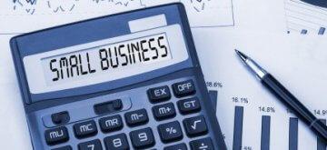 מחשבון עם הכיתוב עסקים קטנים