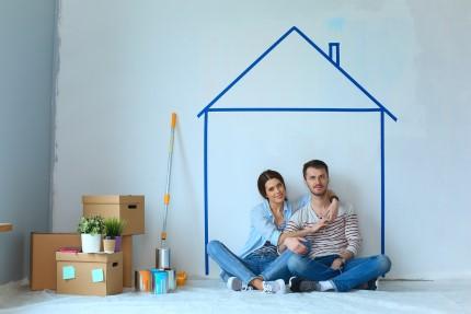 זוג שנכנסו לדירה ממחיר למשתכן