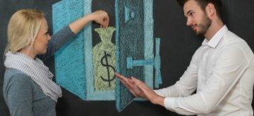 מימון כסף לשני יזמים בתחילת דרכם
