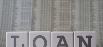 קוביות עם האותיות loan