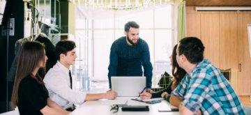 פגישת אנשי עסקים בנושא הלוואה בערבות המדינה