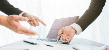 חתימה על טופס הלוואה