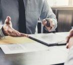 פגישה להלוואה בערבות המדינה לחברת ייעוץ עסקי